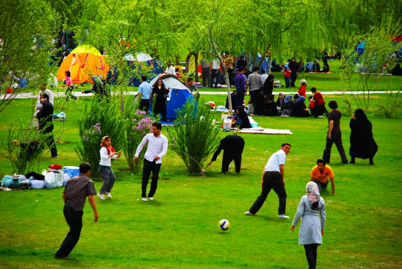 Sizdah-bedar is an Iranian festival tradition, celebrated in the thirteenth day of the Farvardin. Iranians have a tradition of spending the day outdoors.